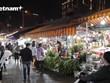Chợ hoa lớn nhất Thủ đô rộn ràng đầy sức sống trong dịp lễ 20/10