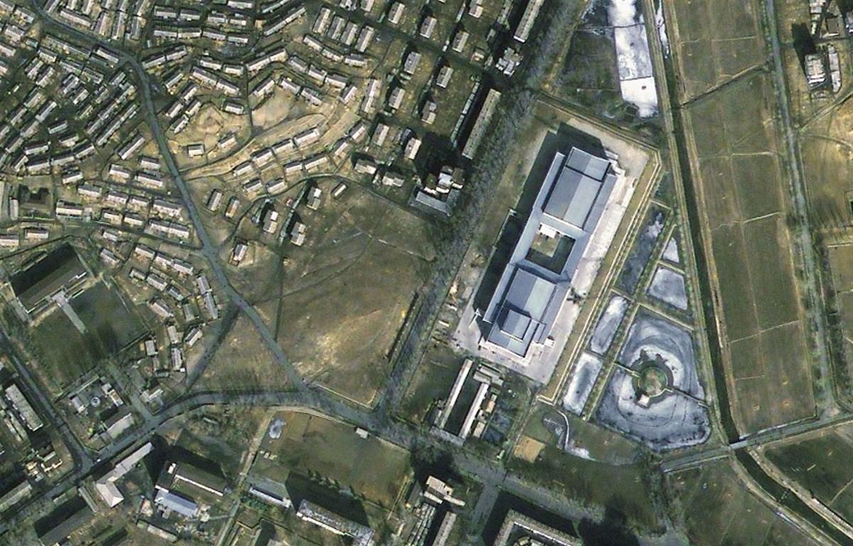 Tổ hợp hạt nhân Yongbyon chụp từ trên cao. (Nguồn: digitaljournal)