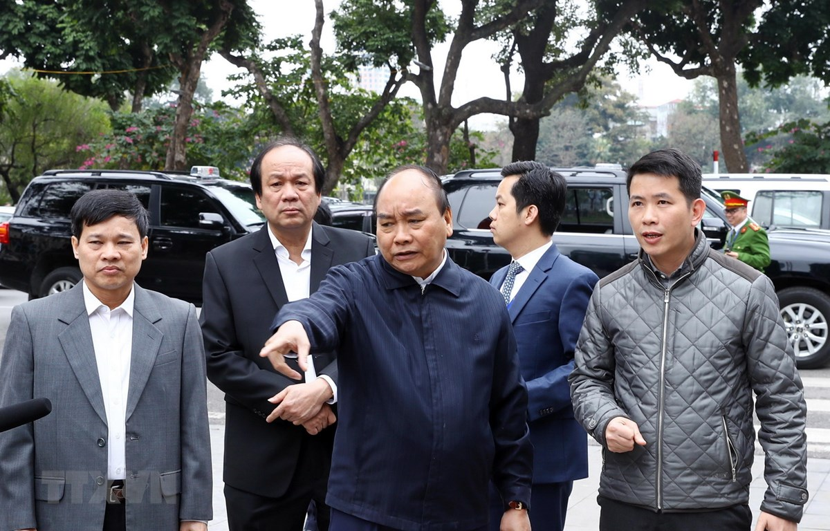 Thủ tướng Nguyễn Xuân Phúc kiểm tra công tác chuẩn bị cho Hội nghị Thượng đỉnh Mỹ-Triều Tiên lần thứ hai. (Ảnh: Thống Nhất/TTXVN)