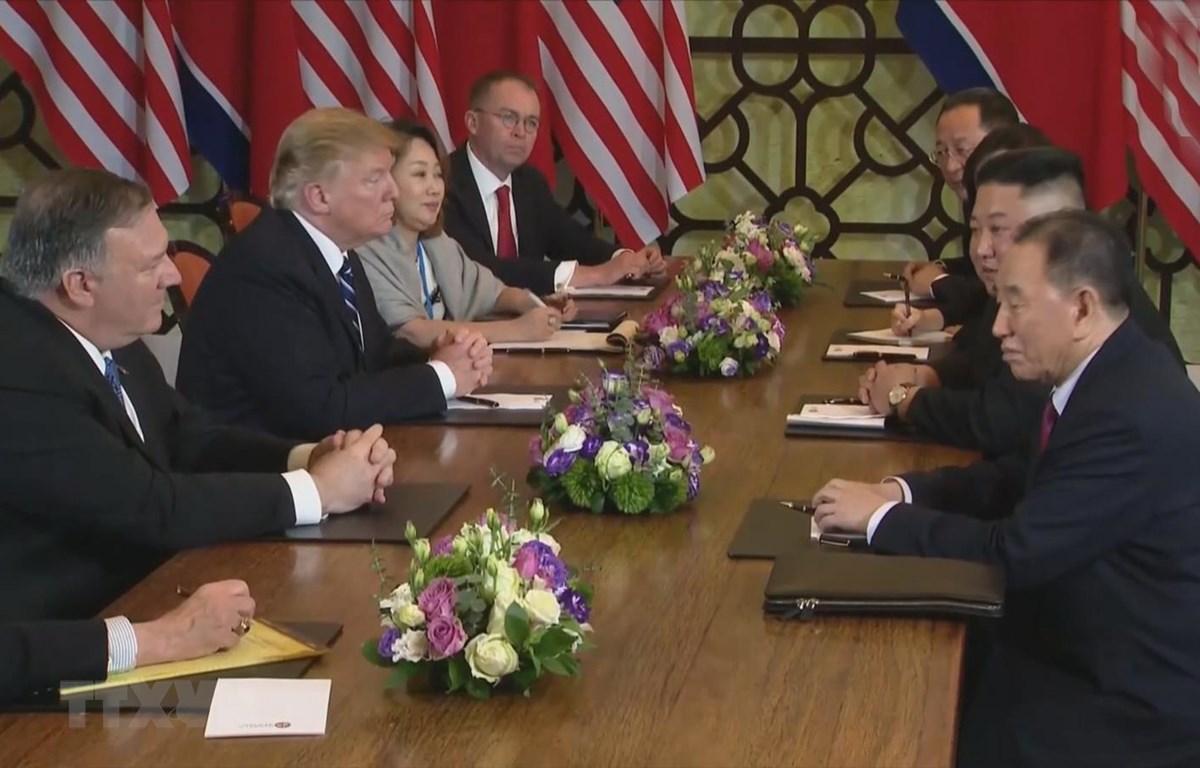 Hội đàm mở rộng Hội nghị thượng đỉnh Mỹ-Triều Tiên lần thứ hai. (Ảnh: TTXVN)