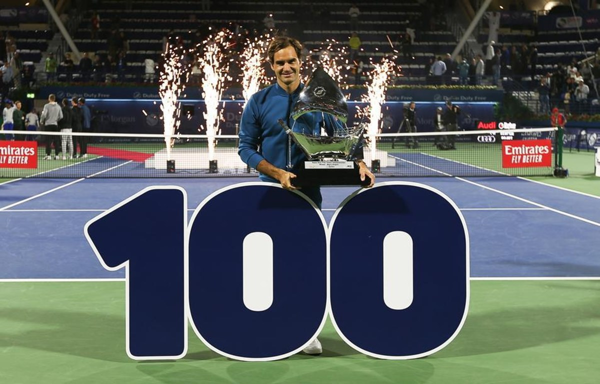 Federer cán mốc 100 danh hiệu ATP. (Nguồn: EPA)