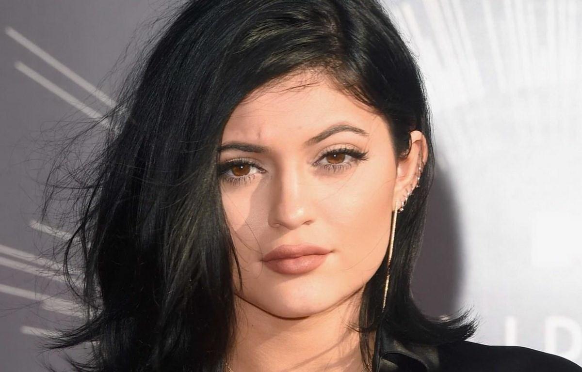 Kylie Jenner, tỷ phú tự thân vượt mốc tài sản 1 tỷ USD trẻ tuổi nhất thế giới.