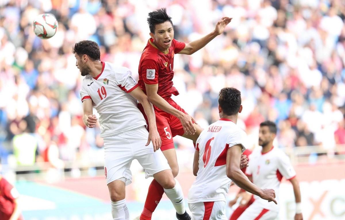 Đoàn Văn Hậu tại vòng chung kết Asian Cup 2019. (Ảnh: Hoàng Linh/TTXVN)