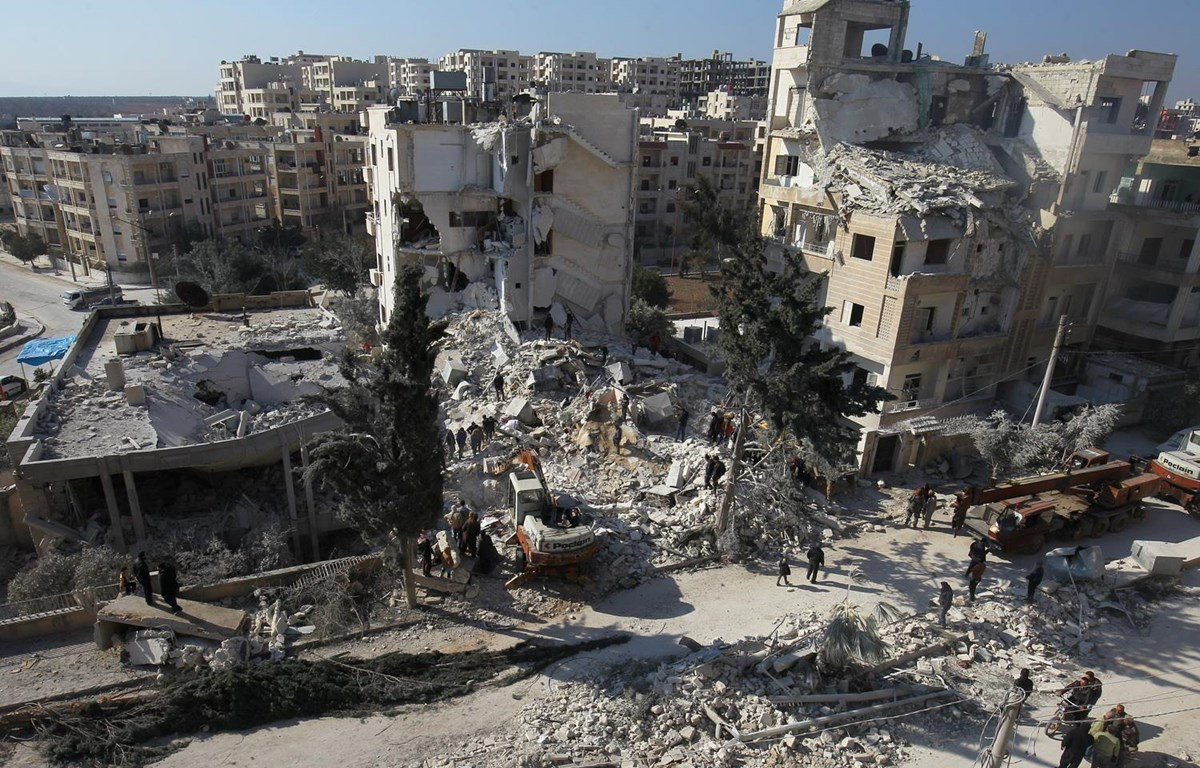 Cảnh đổ nát ở Idlib sau các vụ tấn công. (Nguồn: AP)