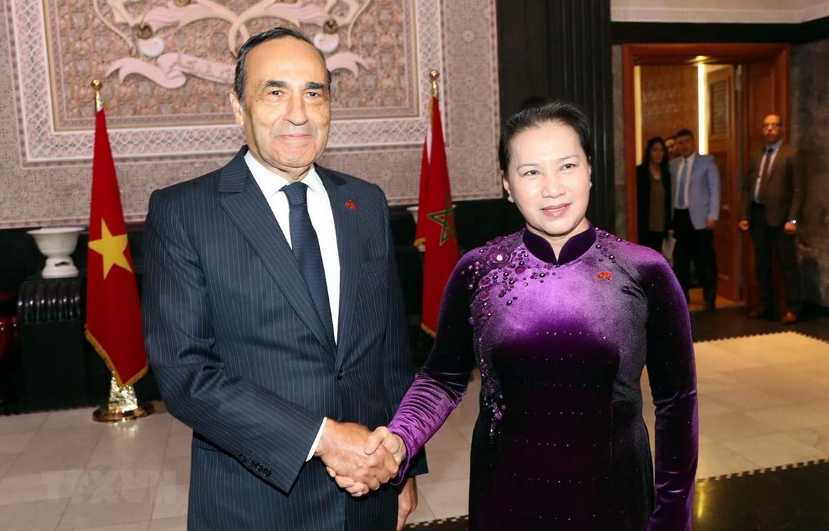 Chủ tịch Hạ viện Maroc Habib El Malki đón Chủ tịch Quốc hội Nguyễn Thị Kim Ngân. (Ảnh: Trọng Đức/TTXVN)