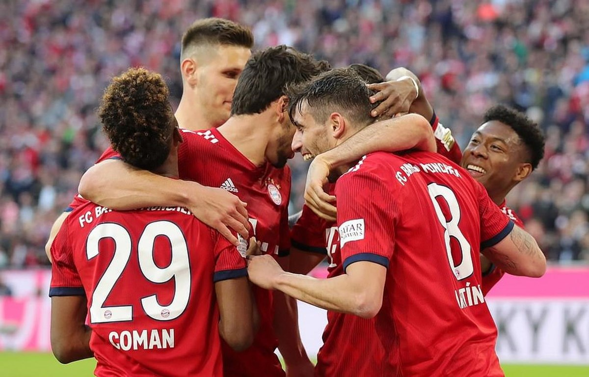 Bayern hủy diệt Dortmund.