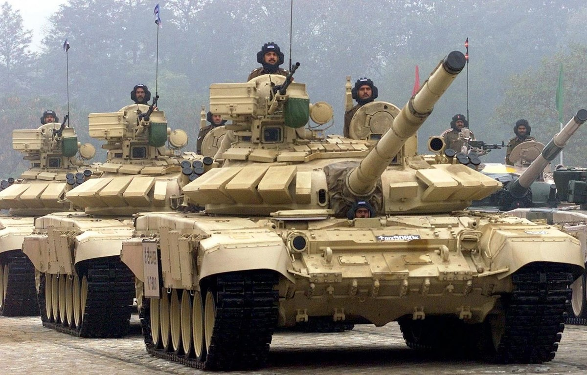 Xe tăng chiến đấu chủ lực T-90MS. (Nguồn: AI)