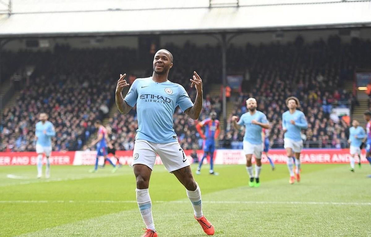 Sterling lập cú đúp giúp Man City chiến thắng.