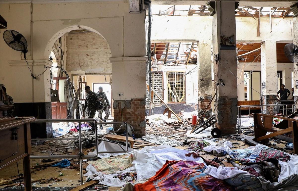 Hiện trường vụ nổ tại nhà thờ St. Anthony ở Kochchikade, Colombo, Sri Lanka, ngày 21/4/2019. (Ảnh: AFP/TTXVN)