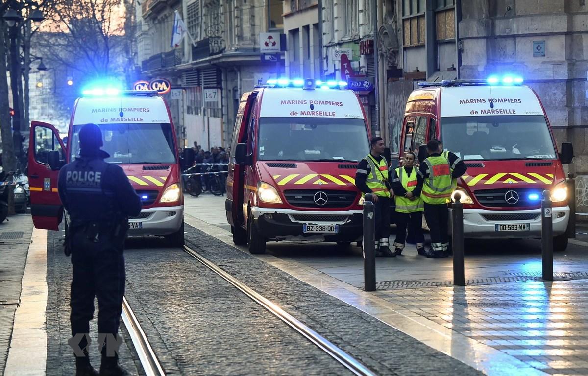 Cảnh sát Pháp làm nhiệm vụ tại Marseille. (Ảnh: AFP/ TTXVN)