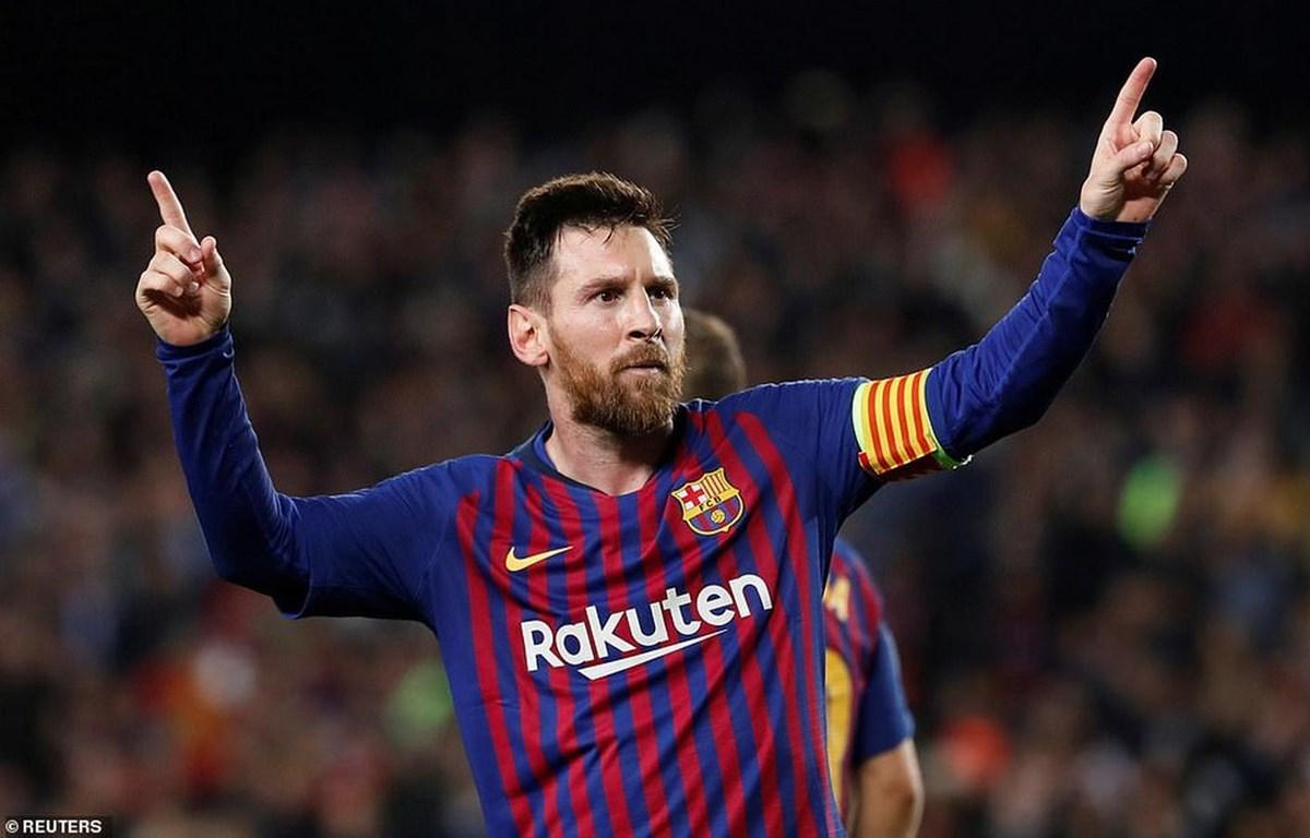 Messi mang ưu thế lớn về cho Barcelona.