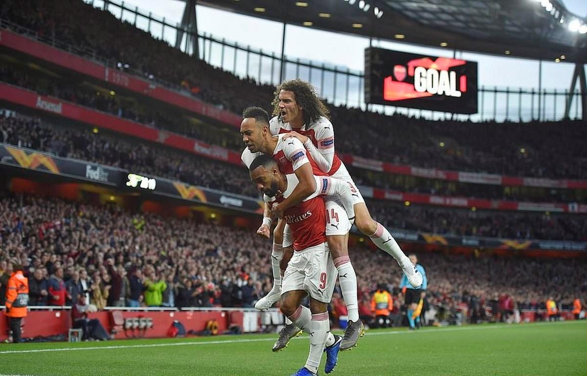 Arsenal giành lợi thế sau trận lượt đi.