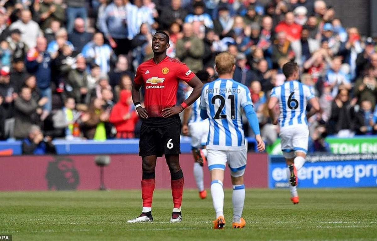Pogba và M.U hết cửa giành suất dự Champions League.