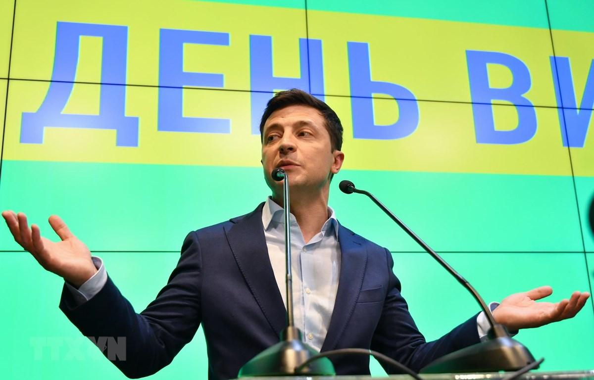 Tổng thống đắc cử Volodymyr Zelenskiy tại cuộc họp báo ở Kiev, Ukraine. (Ảnh: AFP/TTXVN)