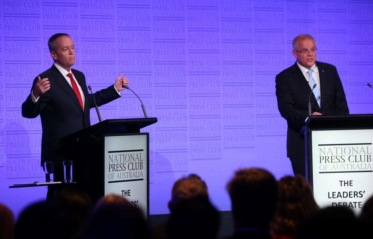 Thủ tướng Australia Scott Morrison và lãnh đạo đối lập Bill Shorten tranh luận. (Nguồn: The Guardian)