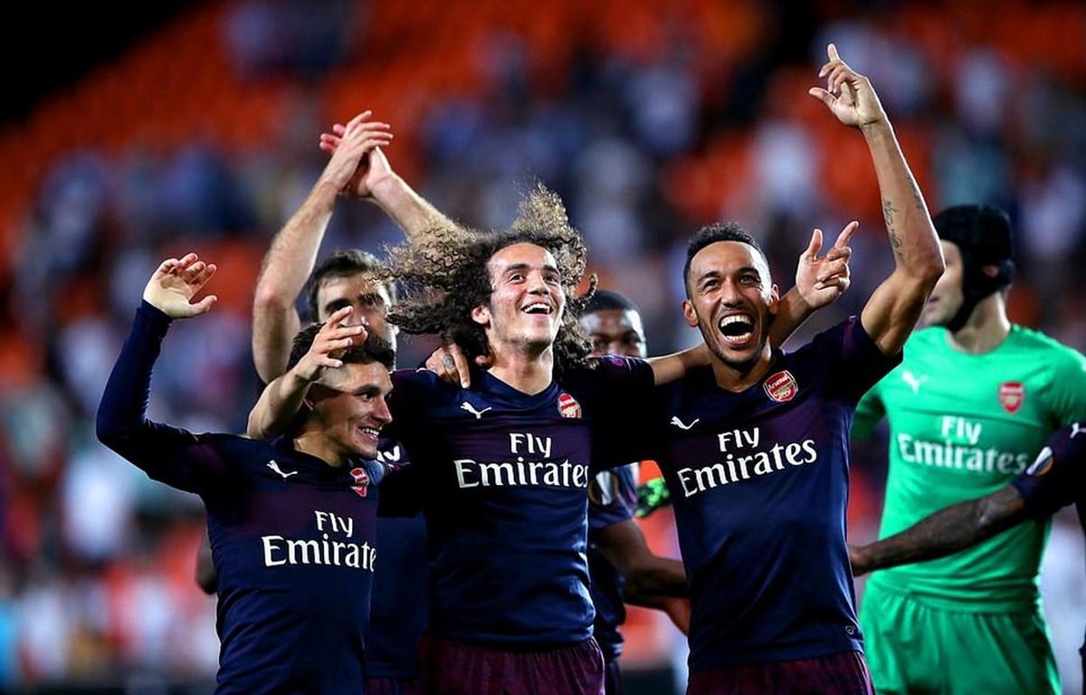 Arsenal giành vé vào chung kết Europa League.
