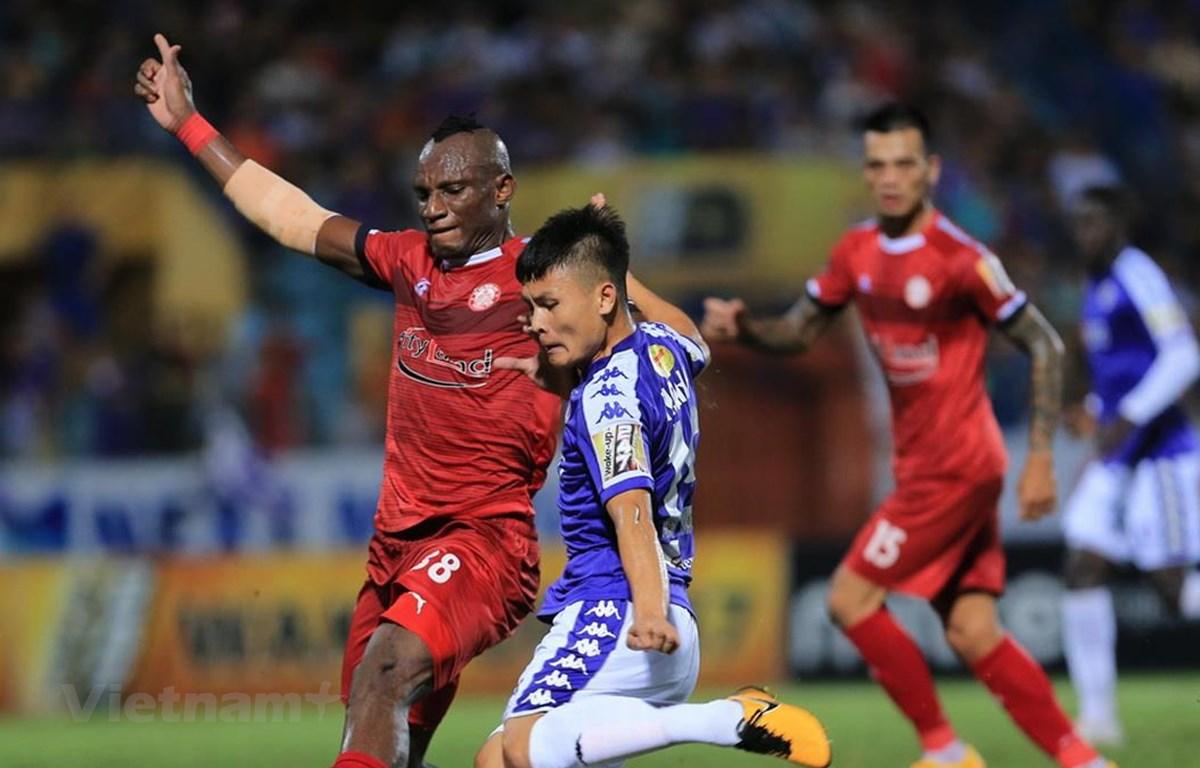 Quang Hải giành dnah hiệu Cầu thủ xuất sắc nhất tháng 4. (Ảnh: Nguyên An/Vietnam+)