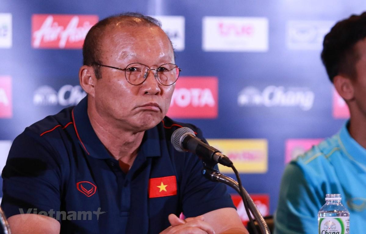 Huấn luyện viên Park Hang-seo tại buổi họp báo trước trận gặp Tháu Lan. (Ảnh: Nguyên An/Vietnam+)