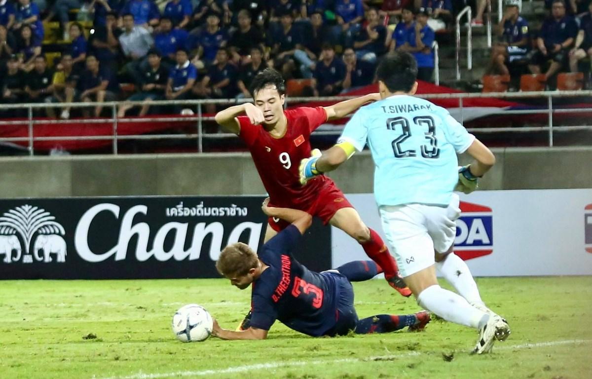 Văn Toàn đã có cơ hội nhưng tiếc rằng Việt Nam không thể đánh bại Thái Lan. (Ảnh: Nguyên An/Vietnam+)