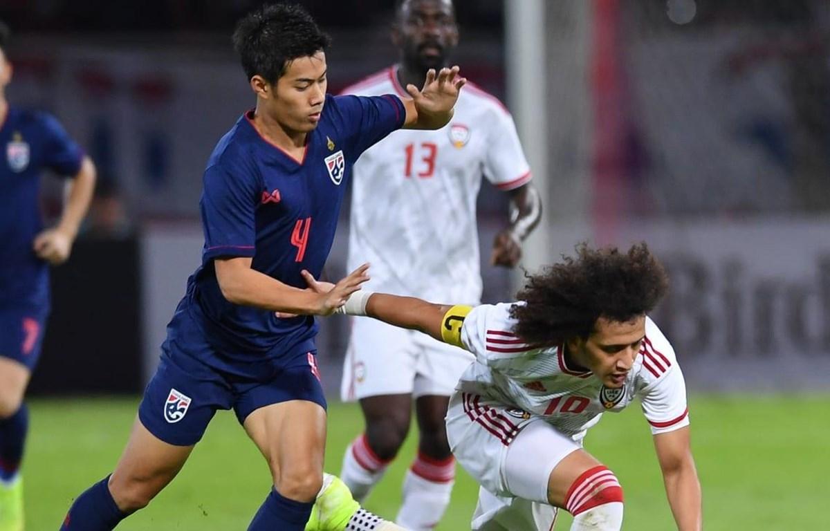 Thái Lan (áo xanh) đánh bại UAE. (Nguồn: AFC)