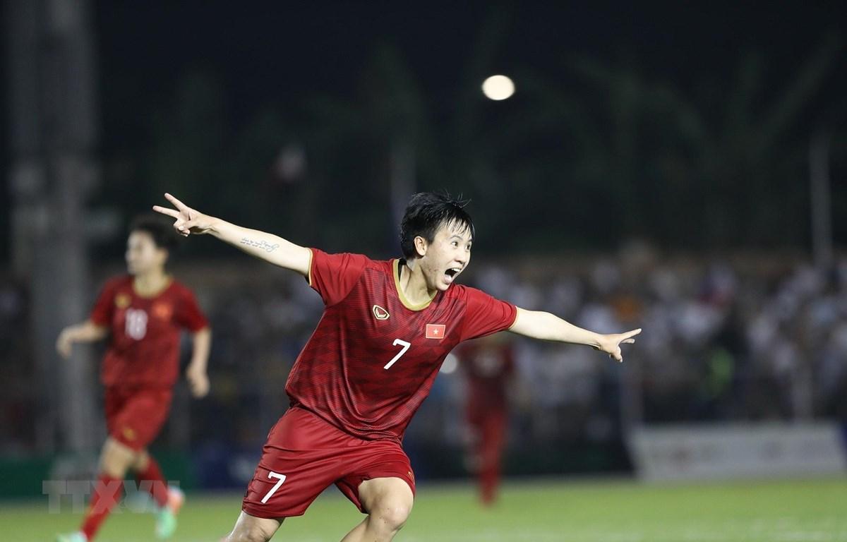 Tuyết Dung ấn định chiến thắng cho tuyển Việt Nam. (Ảnh: Hoàng Linh/TTXVN)