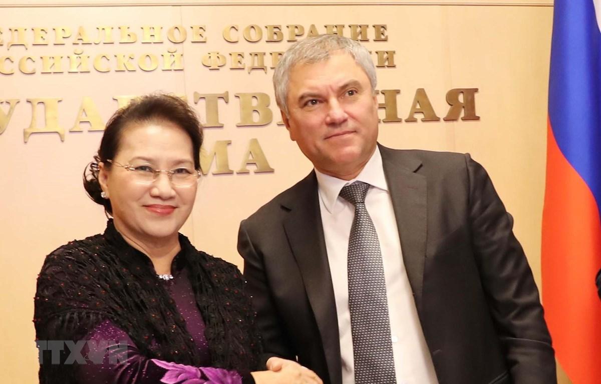 Chủ tịch Quốc hội Nguyễn Thị Kim Ngân và Chủ tịch Duma Quốc gia Liên bang Nga V. Volodin. (Ảnh: Trọng Đức/TTXVN)