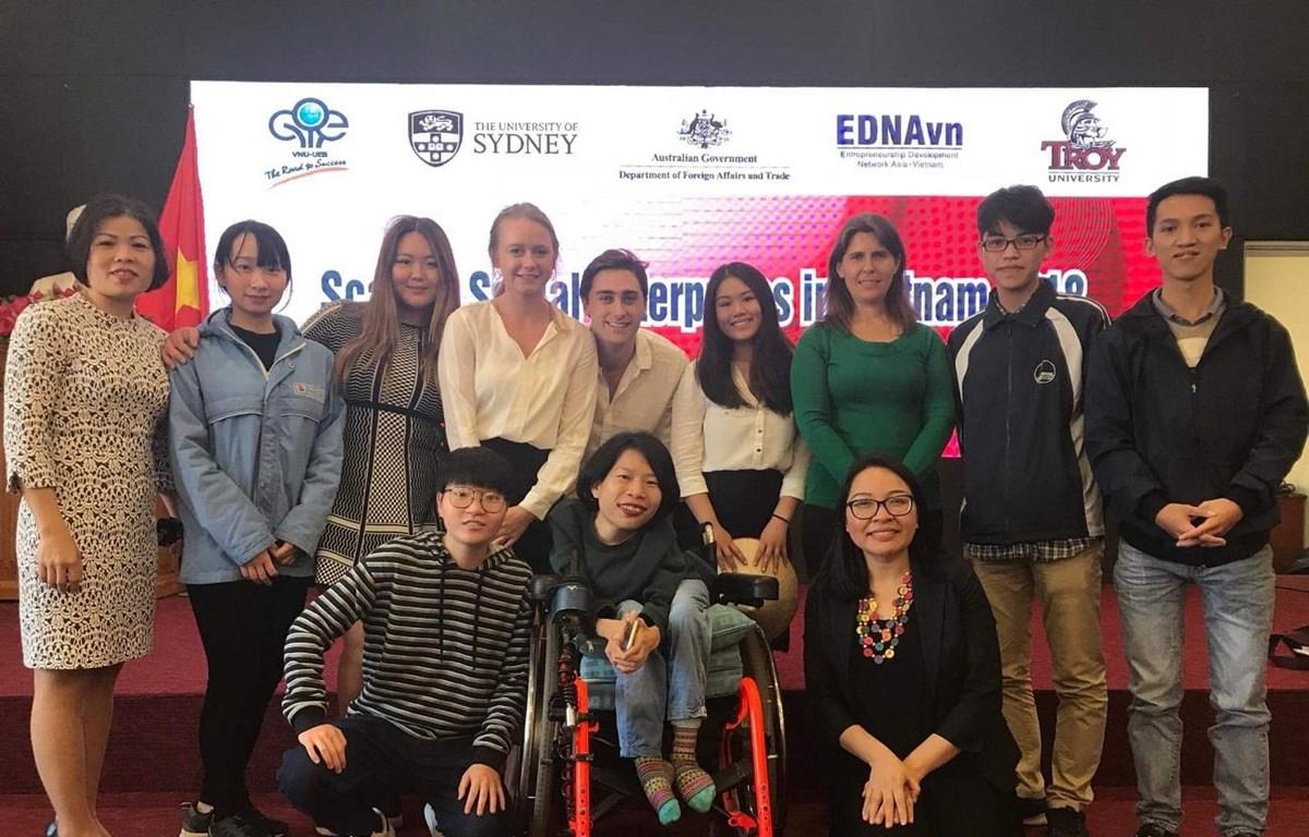 Các bạn sinh viên Australia theo học tại Việt Nam qua Chương trình Columbia Mới. (Ảnh: Đại sứ quán Australia)
