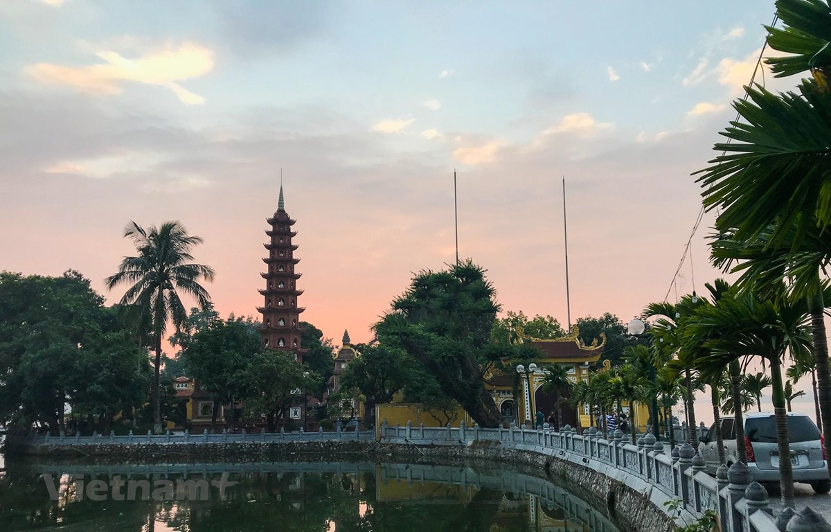 Trấn Quốc là một trong những ngôi chùa thiêng liêng bậc nhất đối với Phật tử Việt Nam. (Ảnh: PV/Vietnam+)