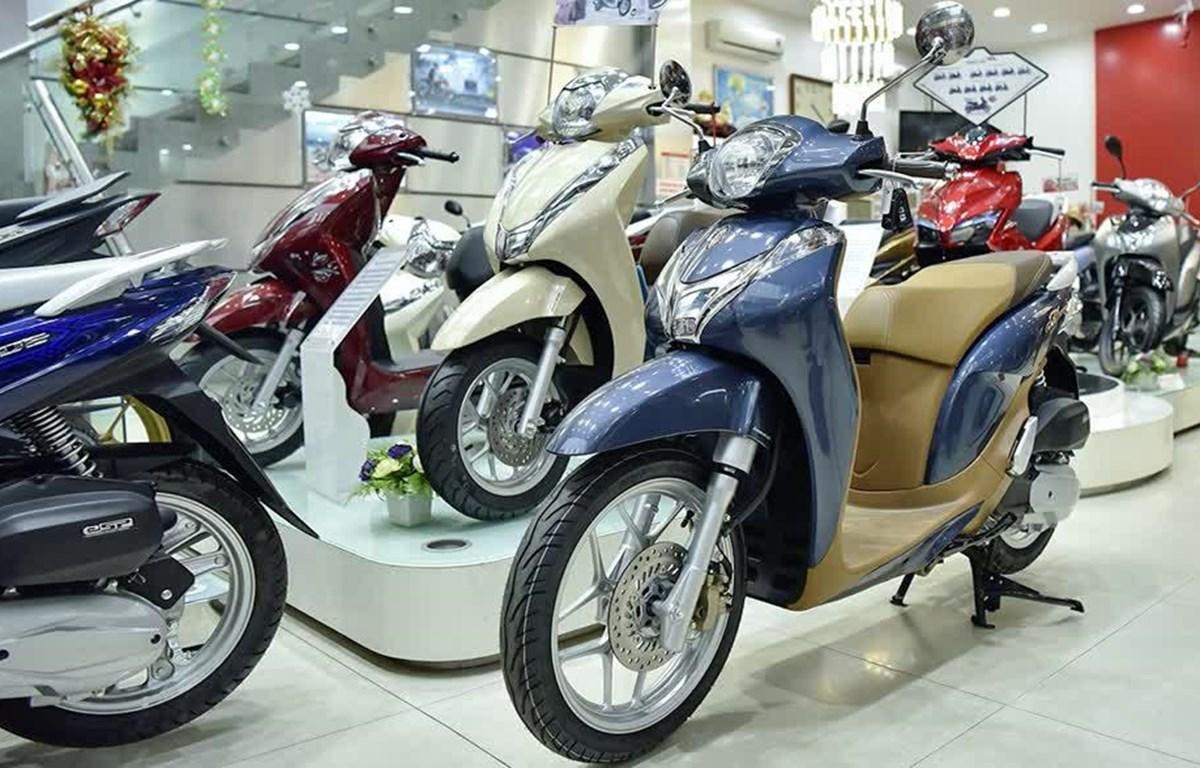 Honda SH Mode 2020 về đại lý với mức giá chênh đến cả chục triệu đồng so với giá đề xuất. (Ảnh: PV/Vietnam+)