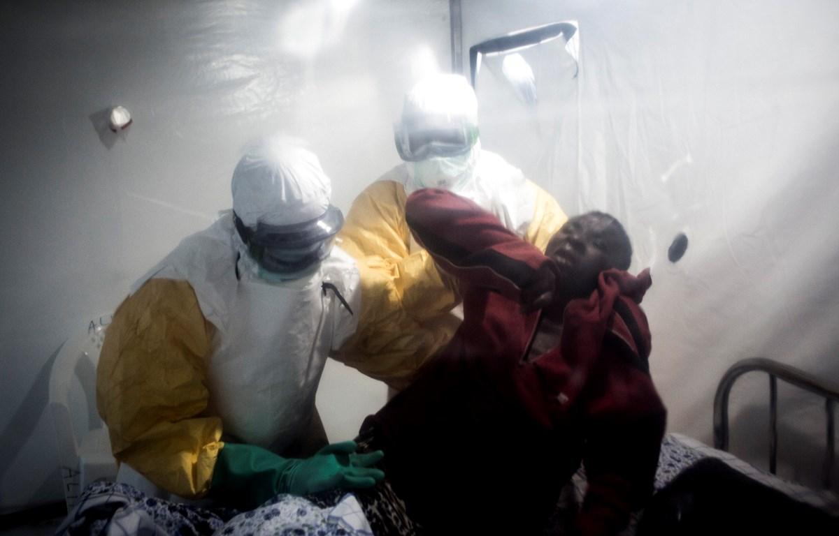 Một bệnh nhân nhiễm Ebola tại CHDC Congo. (Ảnh: AFP/TTXVN)