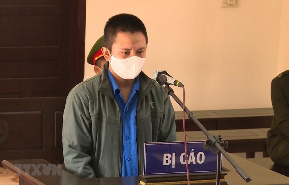 Bị cáo Trần Văn Mạnh tại phiên tòa. (Ảnh: TTXVN phát)