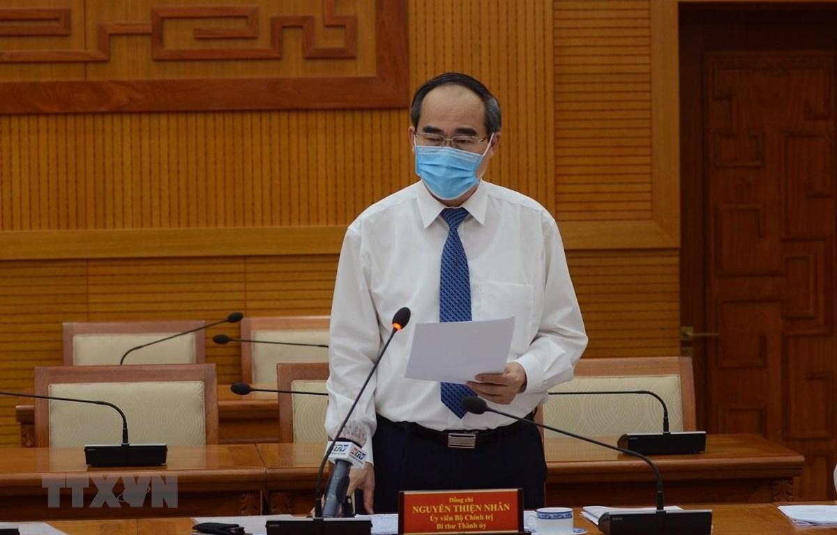 Đồng chí Nguyễn Thiện Nhân, Ủy viên Bộ Chính trị, Bí thư Thành uỷ TP. Hồ Chí Minh phát biểu tại Hội nghị. (Ảnh: TTXVN phát)
