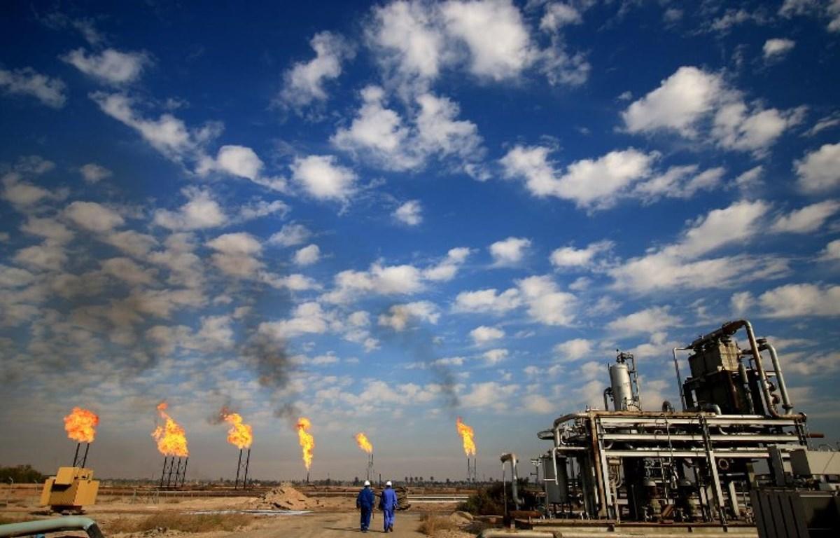 Khai thác dầu mỏ tại miền Nam Iraq. (Nguồn: AFP)