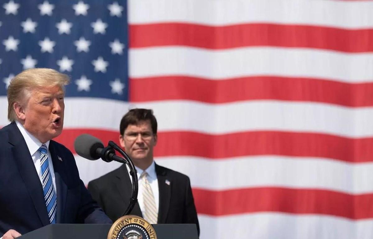 Tổng thống Donald Trump và Bộ trưởng Quốc phòng Mark Esper. (Nguồn: AFP)