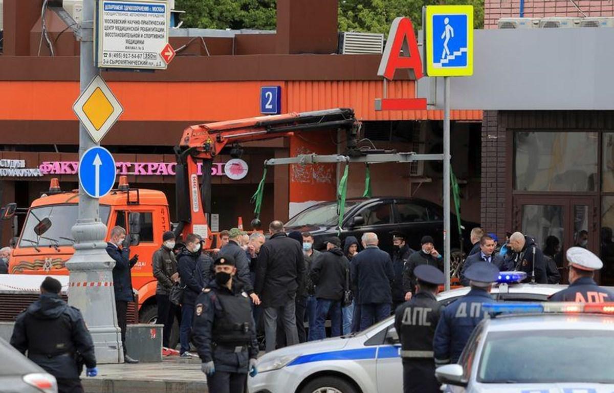 Cảnh sát phong tỏa hiện trường vụ bắt cóc con tin tại Moskva, Nga. (Nguồn: Reuters)