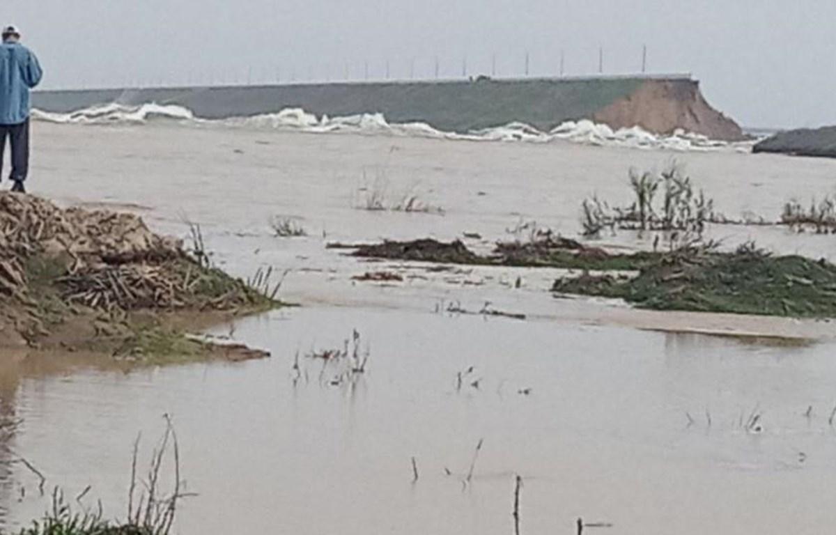Cảnh ngập lụt trên diện rộng sau khi đập Sardoba ở vùng Syrdarya bị vỡ. (Ảnh: RFE/TTXVN)