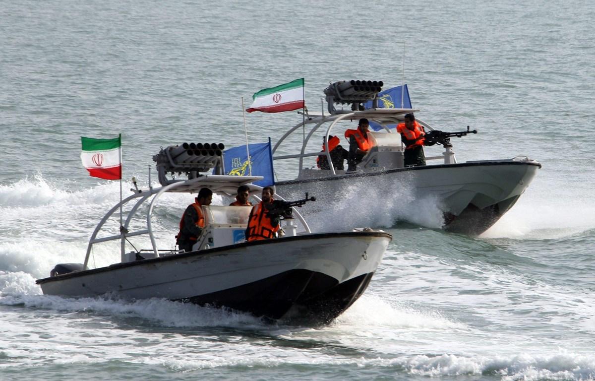 Tàu cao tốc có khả năng phóng tên lửa của Iran. (Nguồn: IRNA)