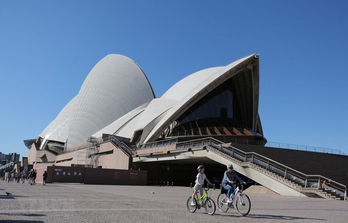 Người dân tại Sydney, Australia ngày 10/5/2020. (Ảnh: THX/TTXVN)