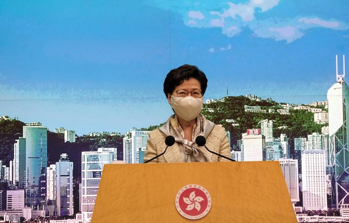 """Trưởng Đặc khu hành chính Hong Kong (Trung Quốc) Lâm Trịnh Nguyệt Nga trong cuộc họp báo về """"Luật bảo vệ an ninh quốc gia tại Đặc khu hành chính Hong Kong"""", ngày 30/6/2020. (Ảnh: THX/TTXVN)"""