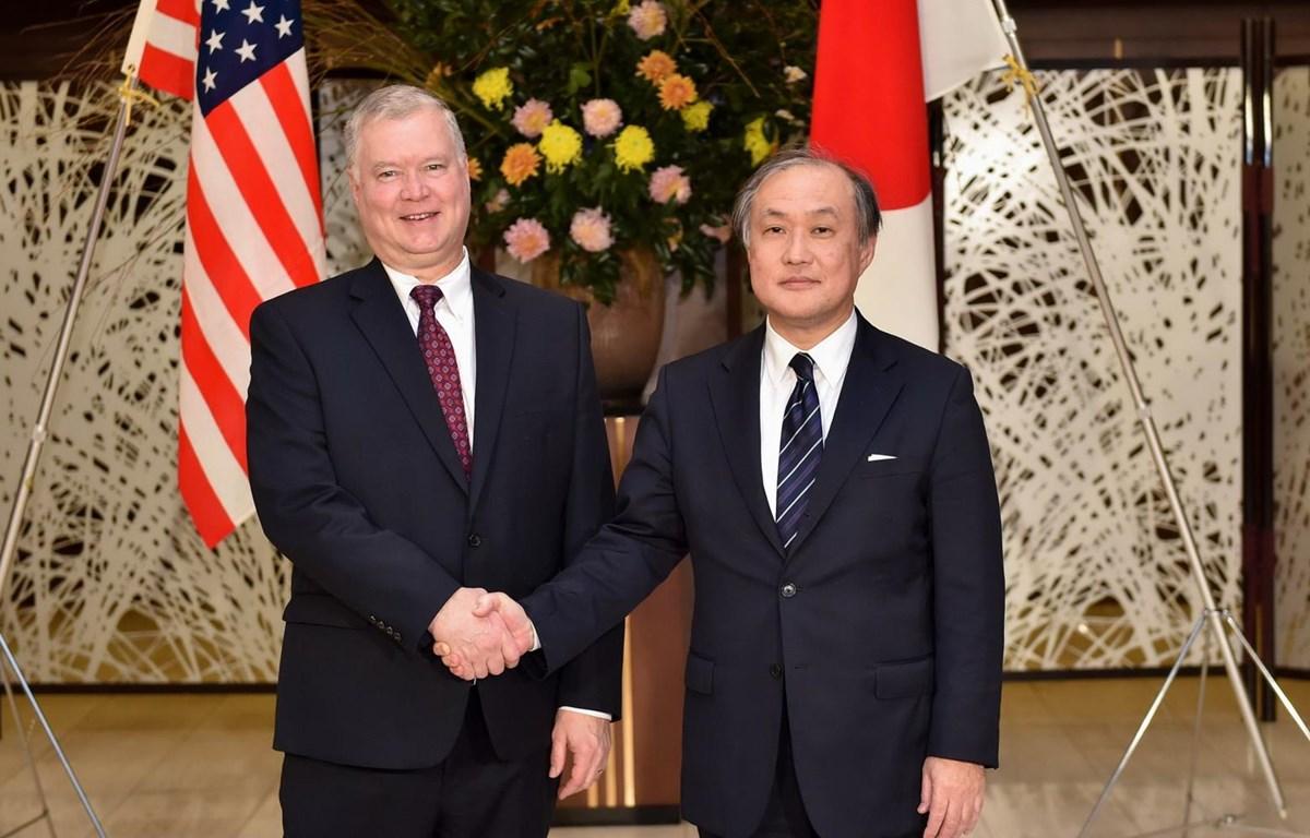 Thứ trưởng Ngoại giao Mỹ Stephen Biegun và người đồng cấp Nhật Bản Takeo Akiba. (Nguồn: AFP)