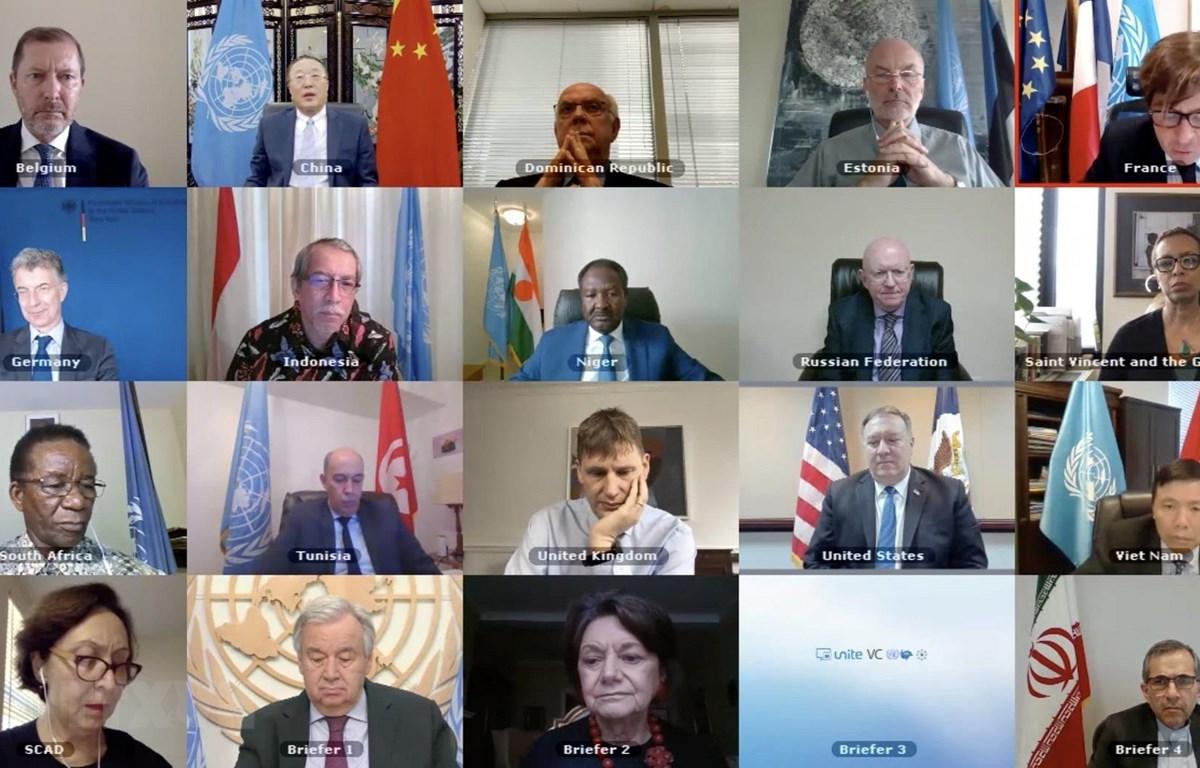 Đại diện các nước thành viênHội đồng Bảo an Liên hợp quốc tham dự một phiên họp trực tuyến. (Ảnh: Hữu Thanh/TTXVN)