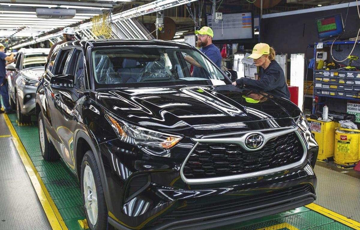 Công nhân tại một nhà máy của Toyota ở Indiana, Mỹ. (Nguồn: Toyota)