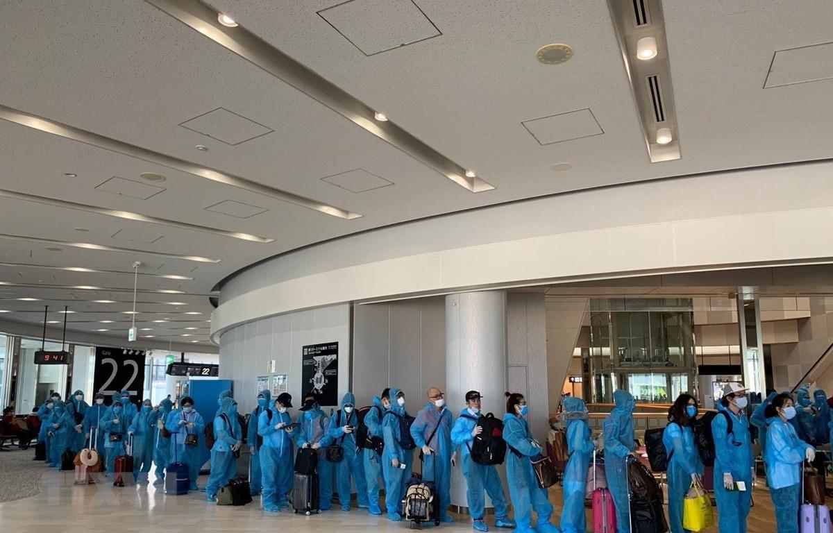 Các biện pháp về an ninh, an toàn và vệ sinh dịch tễ trong suốt chuyến bay. (Ảnh: TTXVN phát)