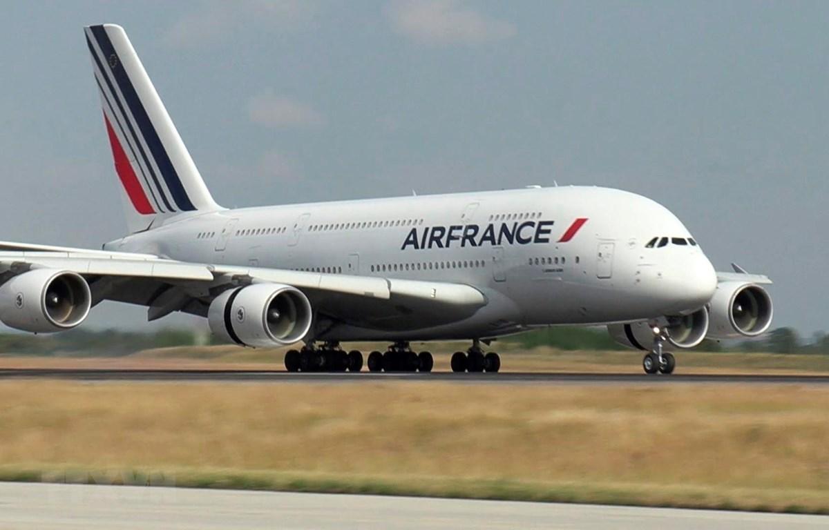 Máy bay của Air France tại sân bay Paris-Charles-de-Gaulle, Pháp, ngày 26/6/2020. (Ảnh: AFP/TTXVN)