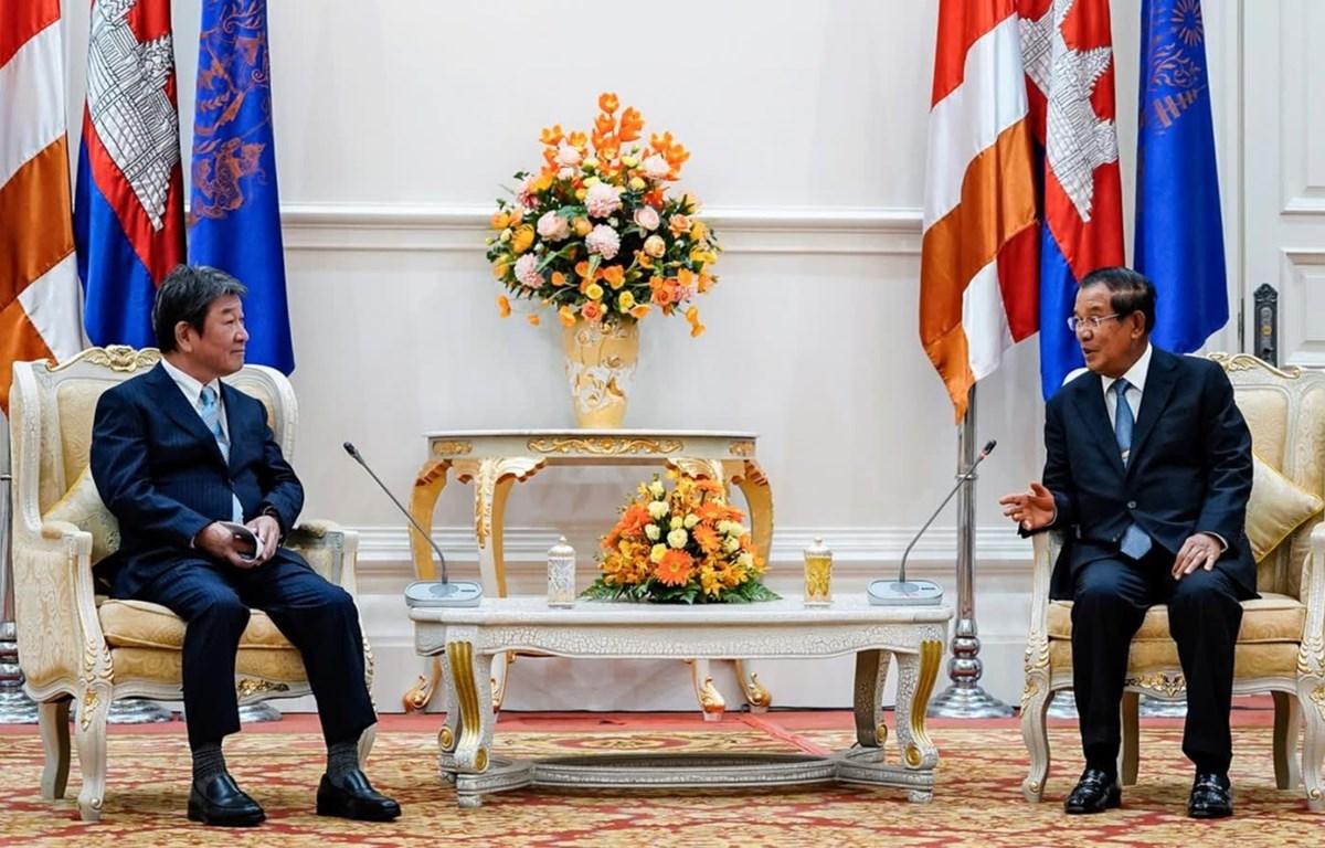 Thủ tướng Campuchia Samdech Techo Hun Sen tiếp Bộ trưởng Ngoại giao Nhật Bản Toshimitsu Motegi tại Phnom Penh ngày 22/8/2020. (Nguồn: Bộ Ngoại giao Nhật Bản)