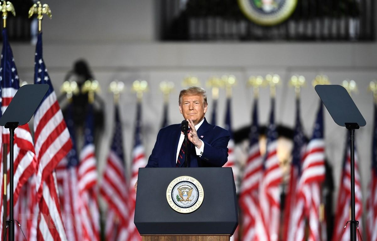 Tổng thống Mỹ Donald Trump trong bài phát biểu chính thức tiếp nhận đề cử của đảng Cộng hòa tại Nhà Trắng, Washington, DC sáng 27/8/2020. (Ảnh: AFP/TTXVN)