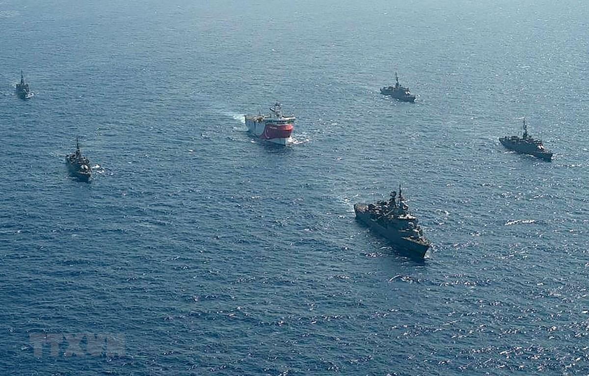 Nga sẽ tiến hành tập trận bắn đạn thật tại khu vực Địa Trung Hải, nơi các tàu nghiên cứu địa chất của Thổ Nhĩ Kỳ đang hoạt động. (Ảnh: AFP/TTXVN)