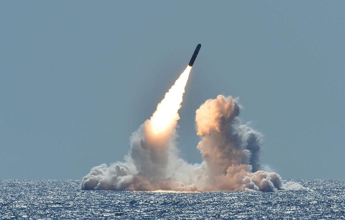 Hình ảnh được cho là Triều Tiên tiến hành thử nghiệm tên lửa phóng từ tàu ngầm. (Nguồn: nationalinterest.org)