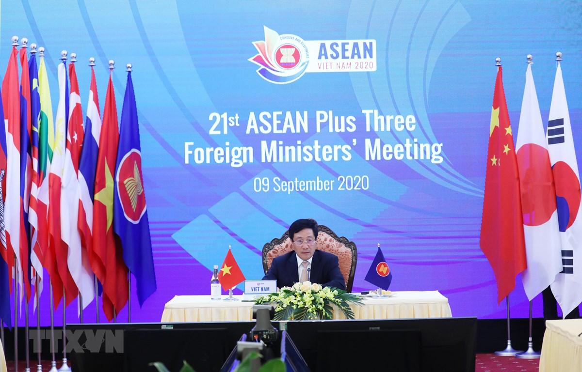 Phó Thủ tướng, Bộ trưởng Bộ Ngoại giao Phạm Bình Minh chủ trì Hội nghị Bộ trưởng Ngoại giao ASEAN+3 lần thứ 21. (Ảnh: Lâm Khánh/TTXVN)
