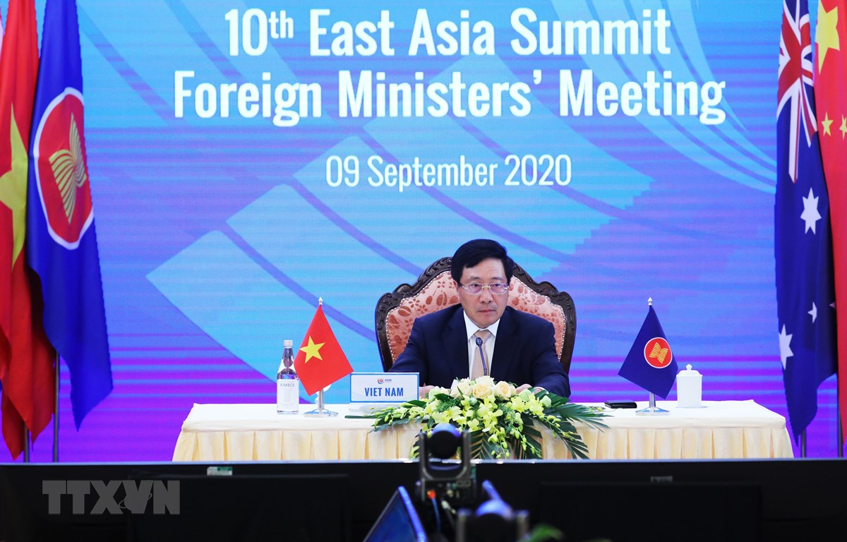 Phó Thủ tướng, Bộ trưởng Ngoại giao Phạm Bình Minh chủ trì Hội nghị Bộ trưởng Ngoại giao Cấp cao Đông Á lần thứ 10. (Ảnh: Lâm Khánh/TTXVN)